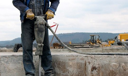 Electric vs Pneumatic: Which Jackhammer Do You Need?
